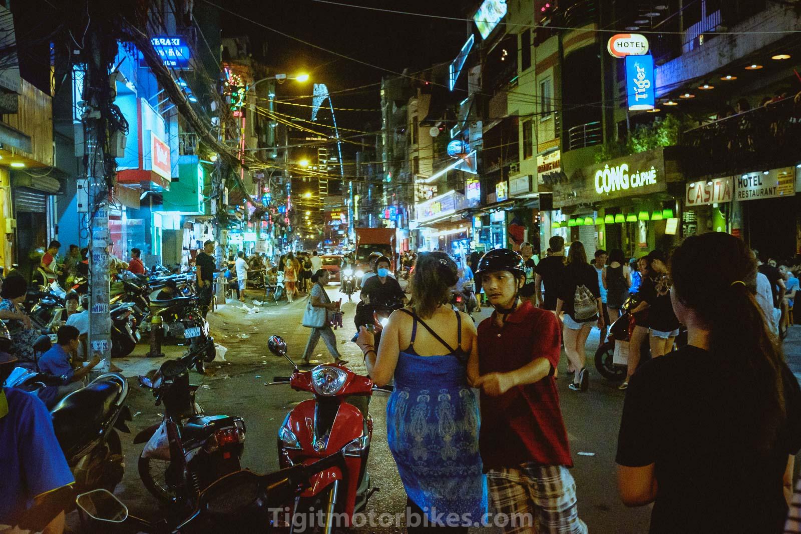 Busy Bui Vien at night