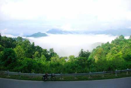 Pha Đin pass in the morning