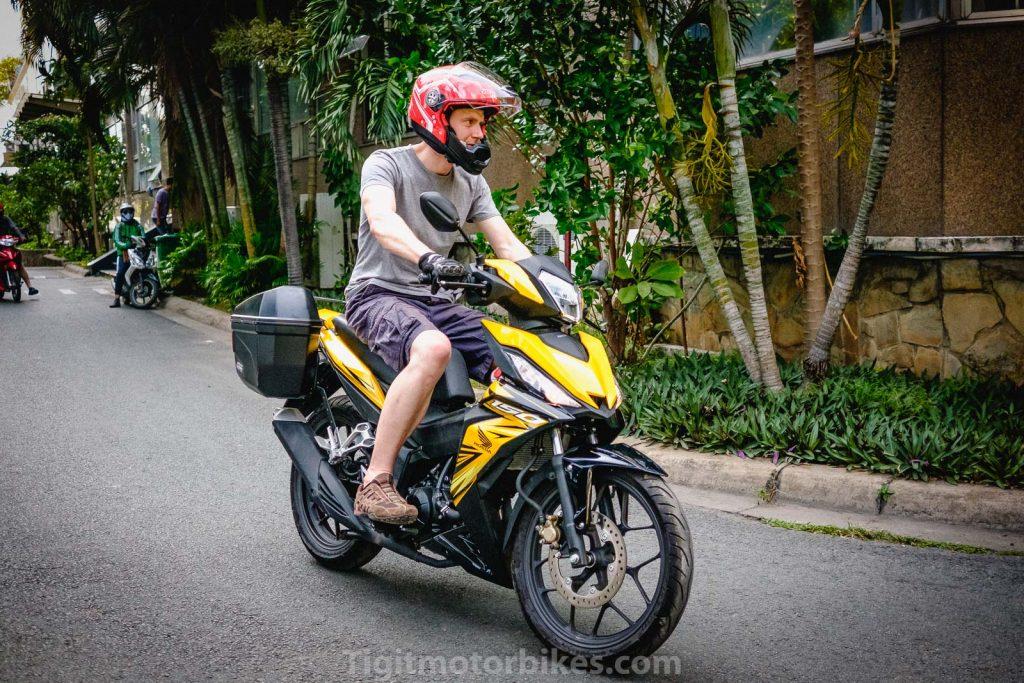 Honda Winner traveler