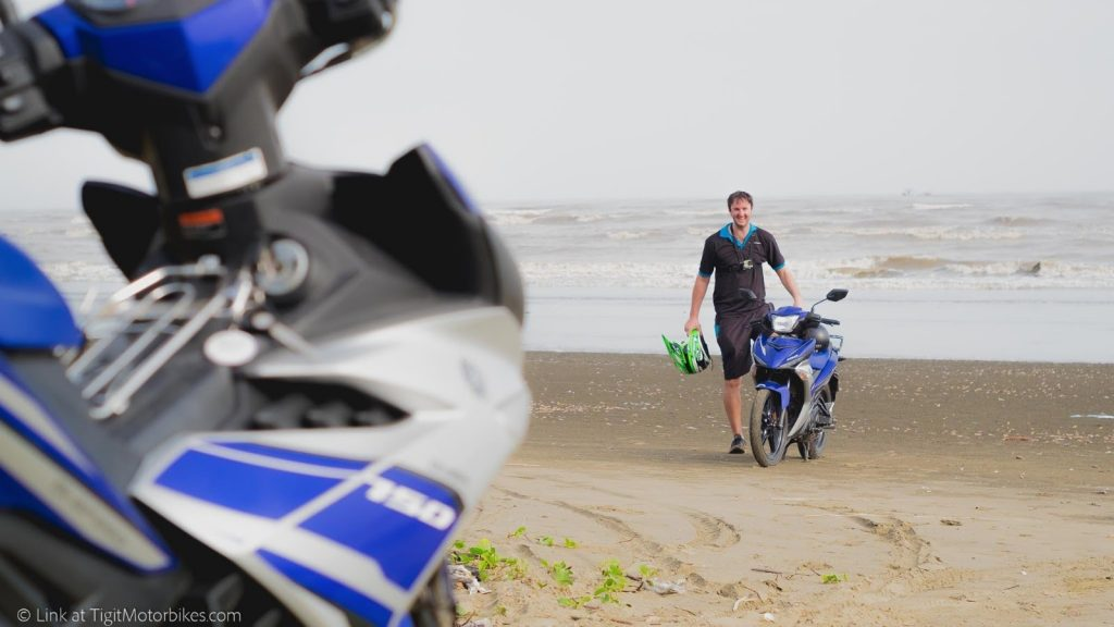 Yamaha exciter on the beach
