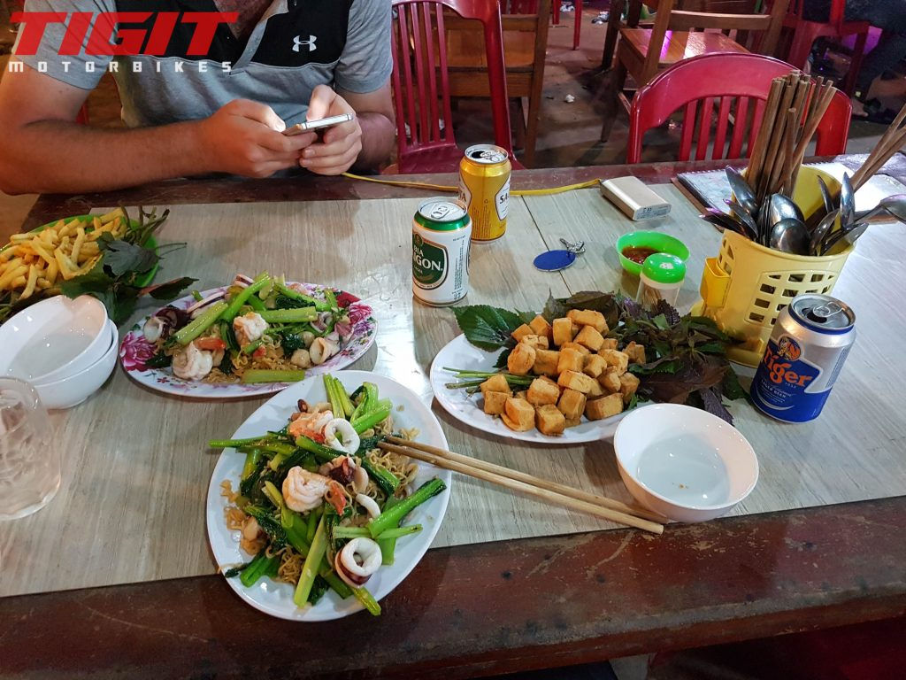 ordering food in vietnam
