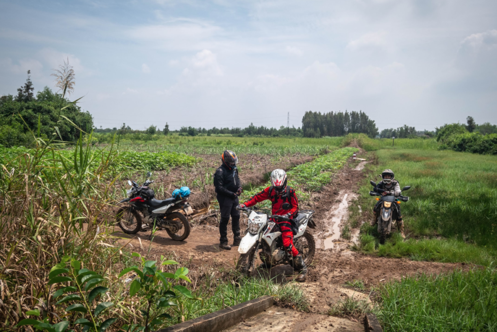 Escape Saigon Ride