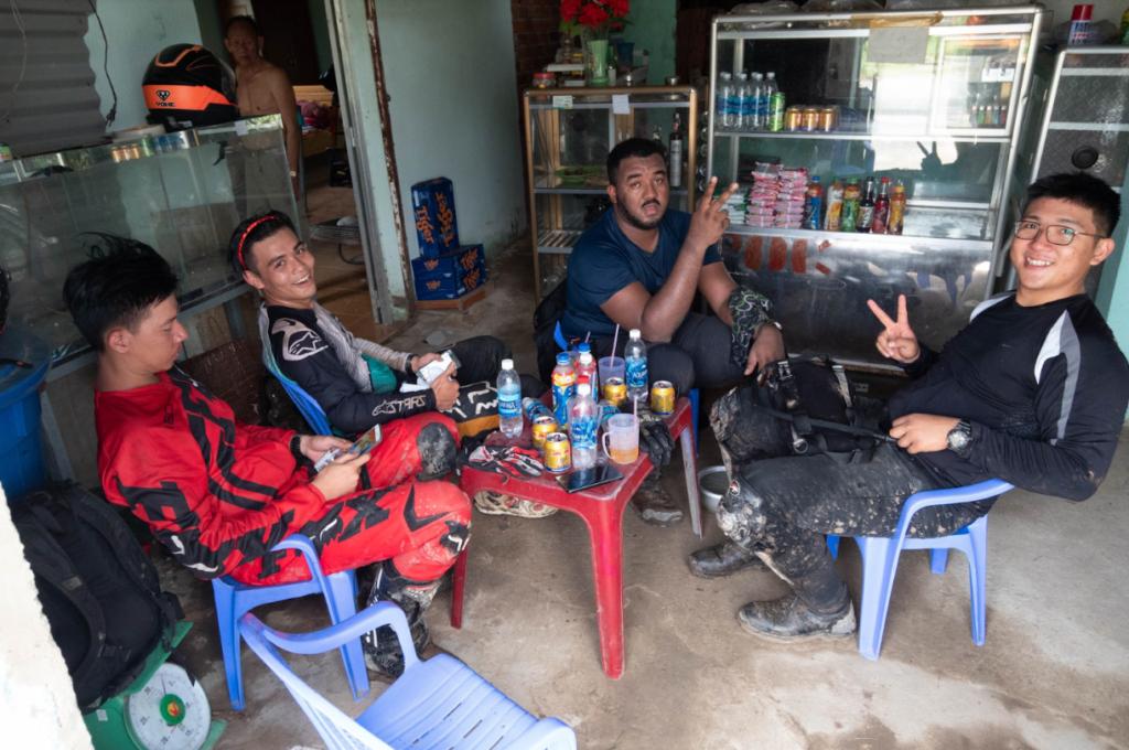 Escape Saigon Guides