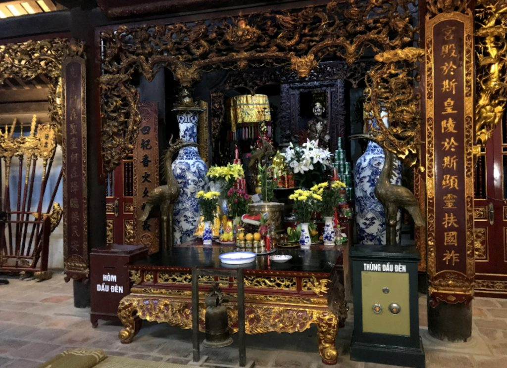Lam Kinh Buildings