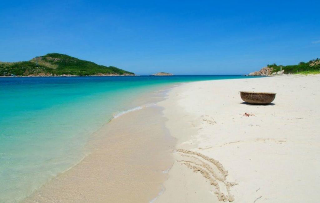 Hong Van Beach, Co To Island