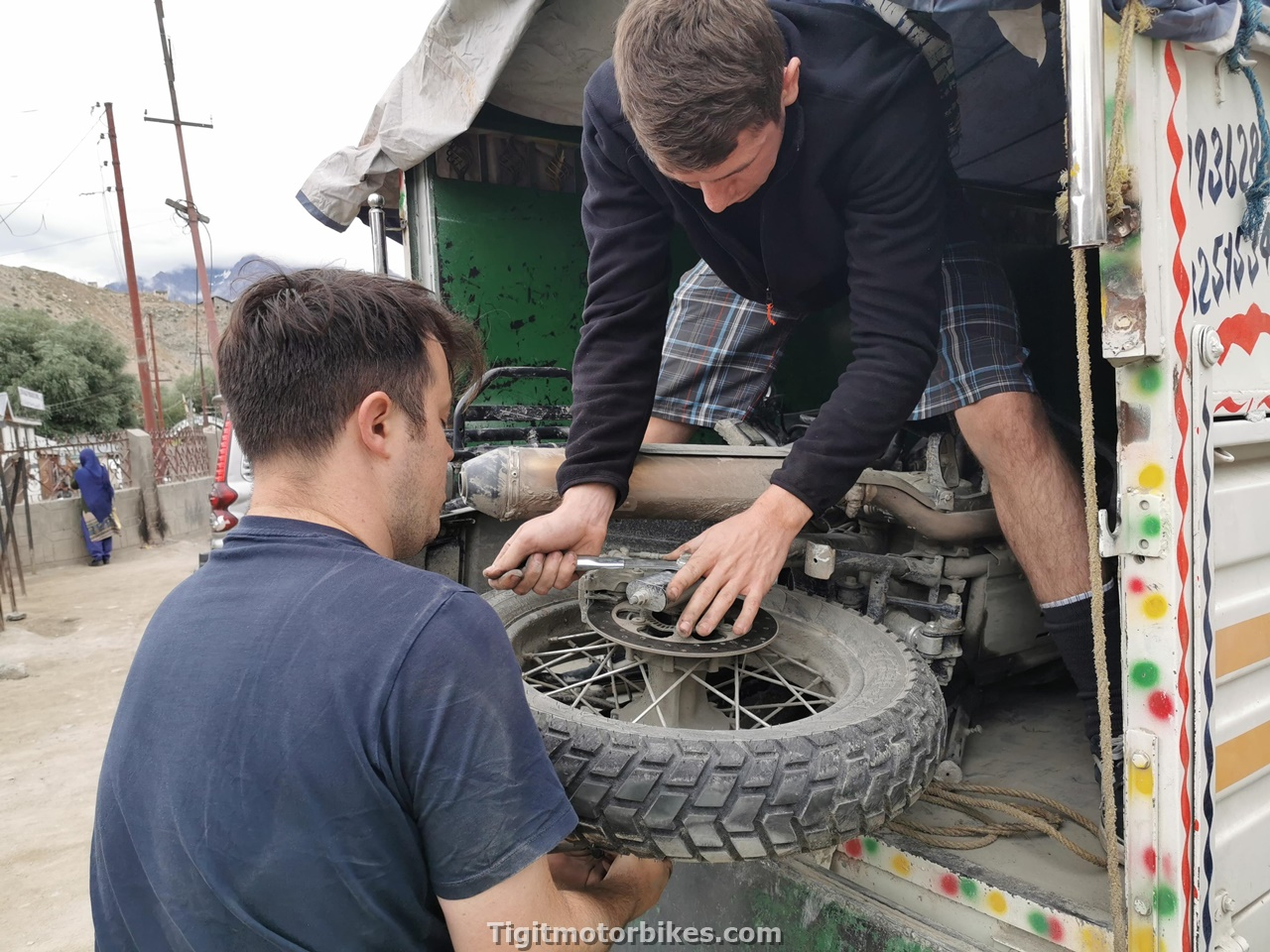 Fixing A royal Enfield Himalayan