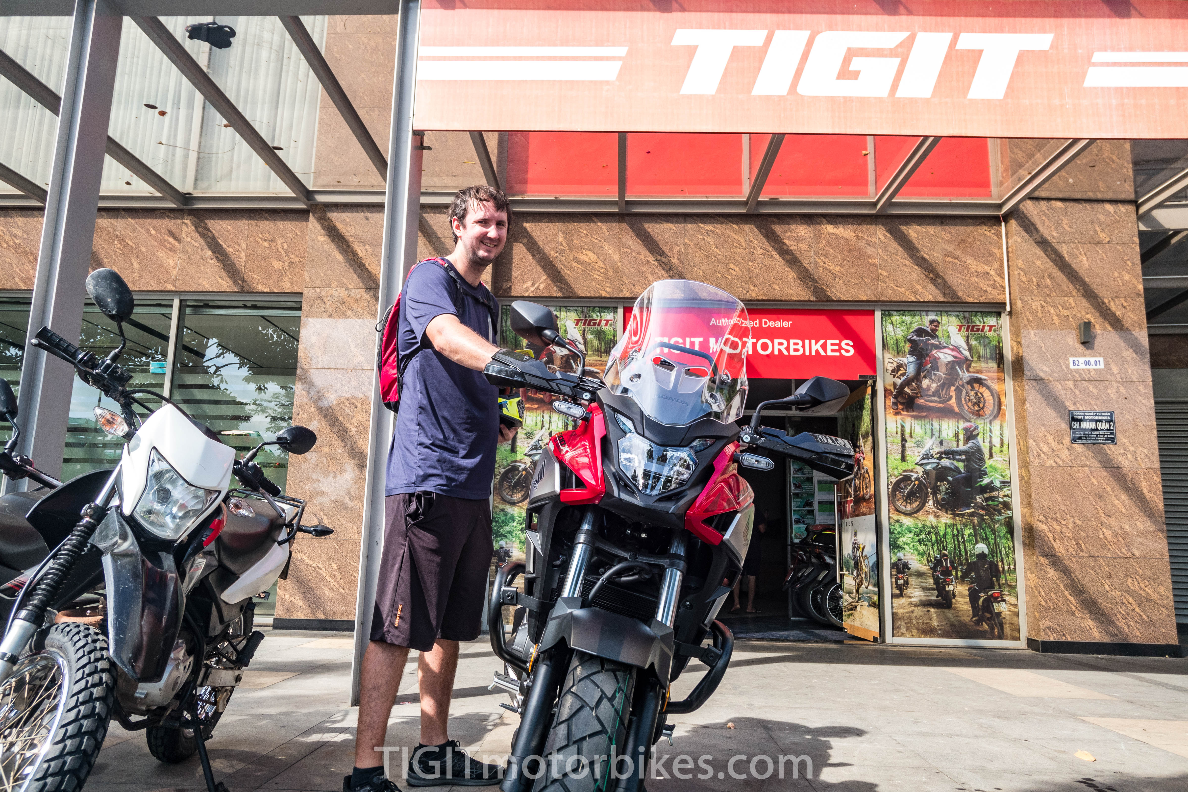 Motorbike to Cu Chi Tunnels