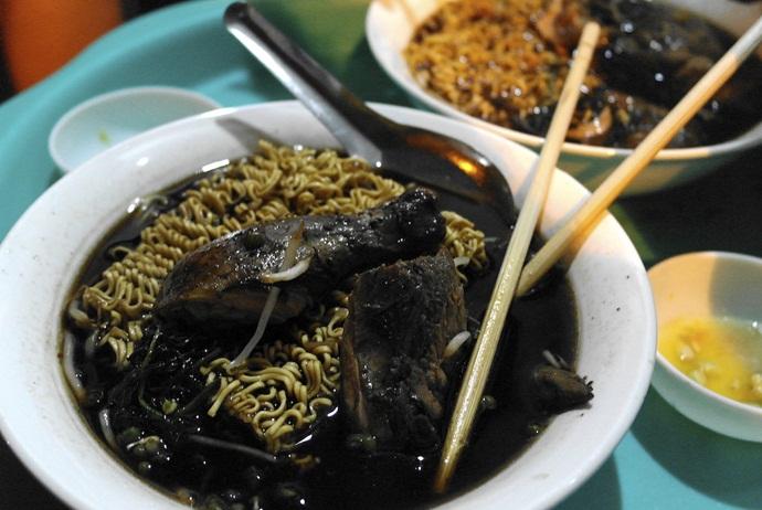 Black chicken noodles