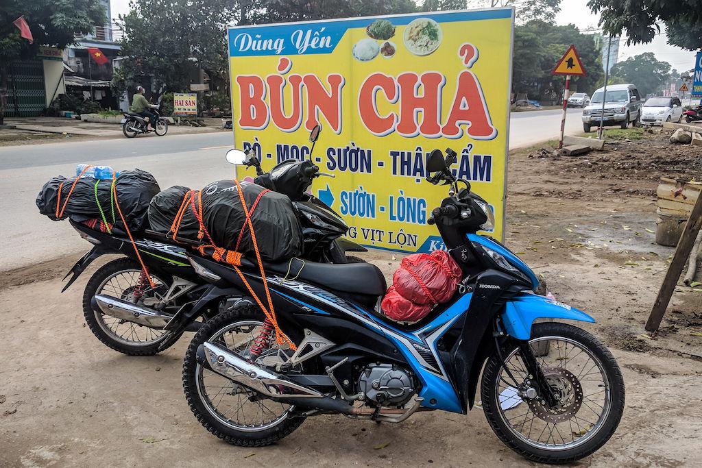 Vietnam restaurant sign