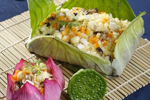Fried rice in lotus leaf