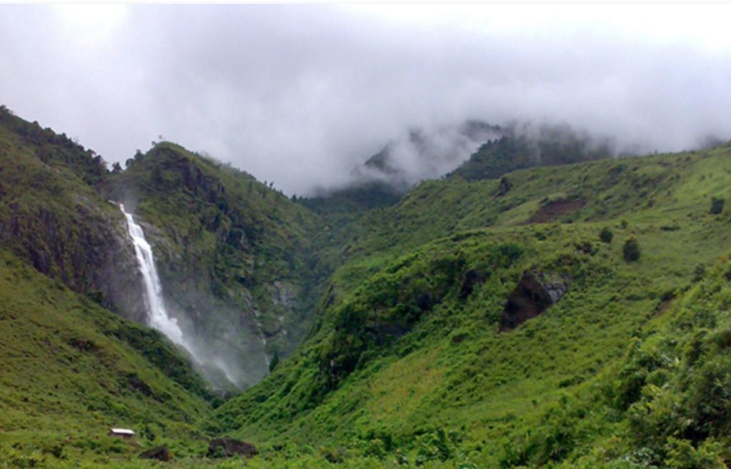 Tac Tinh Waterfall - Lai Chau