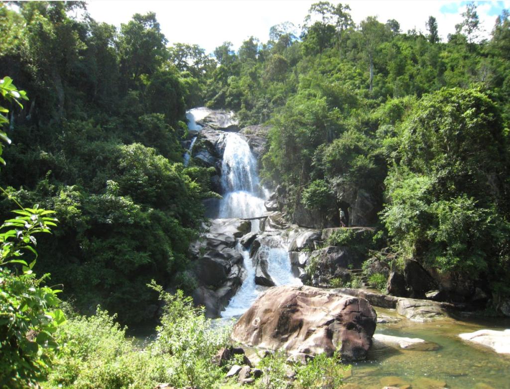 Khe Van Waterfall - Binh Lieu, Quang Ninh