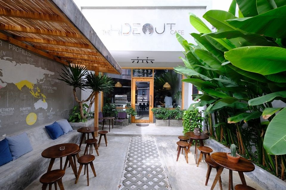 Hideout Cafe Entrance