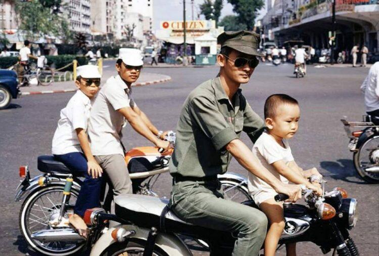 Cafe Racers in Vietnam