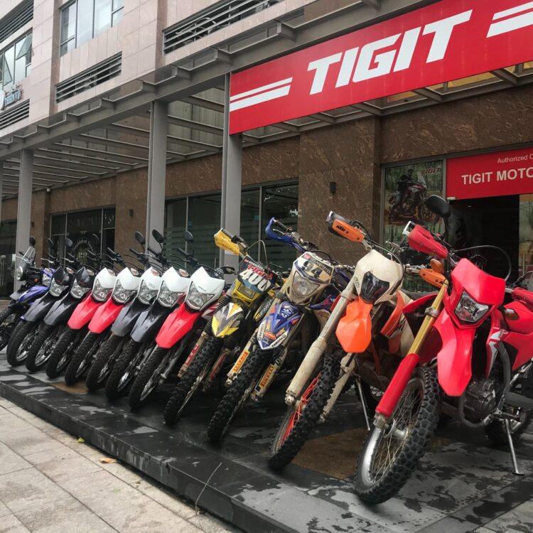 Mechanics and where to fix a motorbike in Vietnam